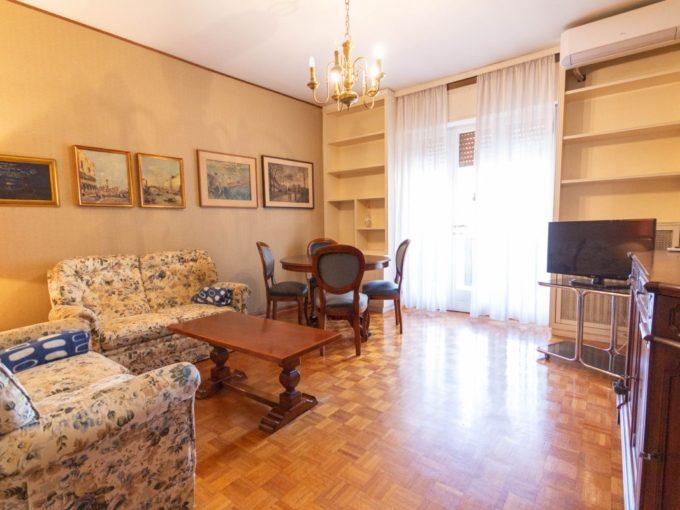 FABIO SEVERO   Appartamento molto luminoso, ben servito