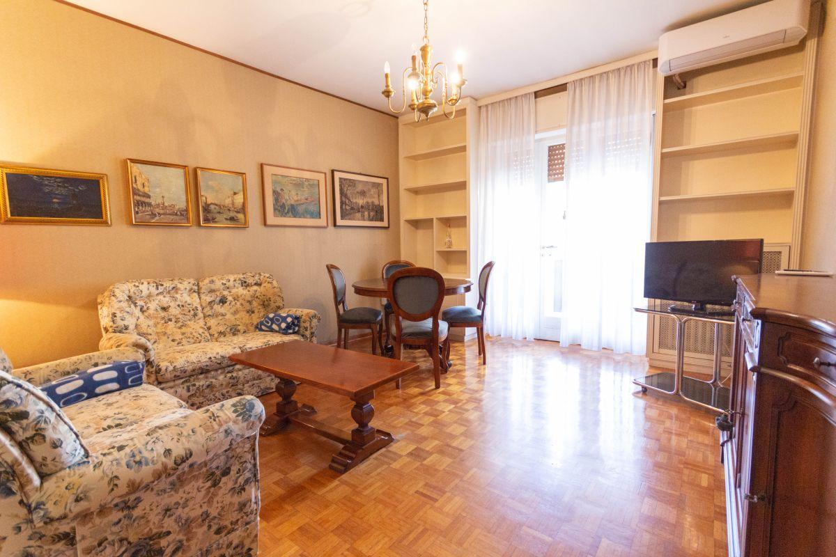 FABIO SEVERO | Appartamento molto luminoso, ben servito