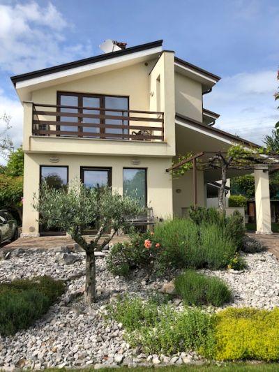 DUINO-AURISINA| Villa a schiera di testa con giardino di 500mq