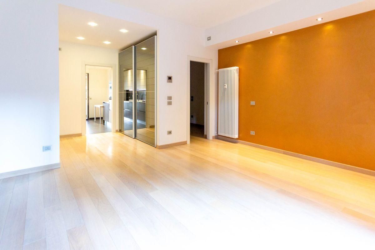 ZONA SAN VITO | Affitto appartamento pari a primo ingresso, arredato, in zona tranquilla, luminoso con tripla esposizione