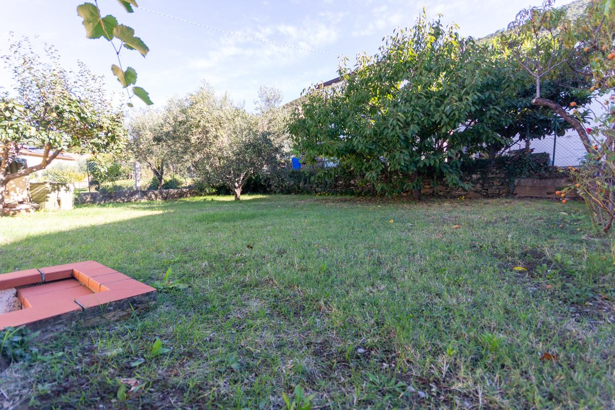 S. DORLIGO DELLA VALLE | Casetta indipendente con vista panoramica, giardino e accesso auto con box/cantina
