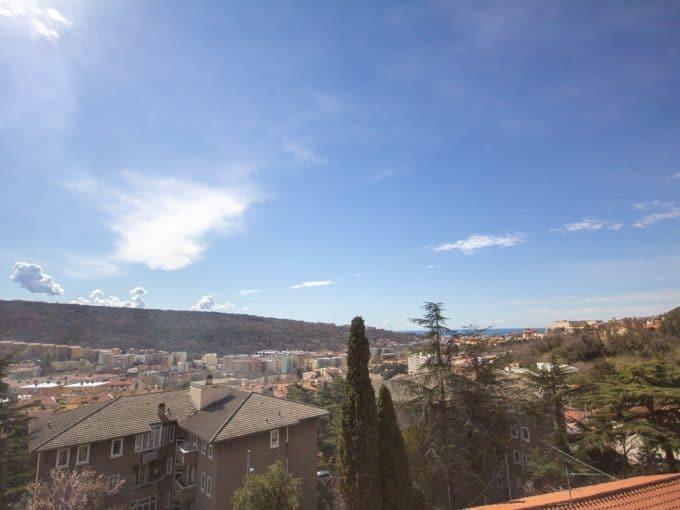 SAN GIOVANNI | Appartamento ultimo piano, con ascensore, luminoso con terrazzo e ampia vista panoramica