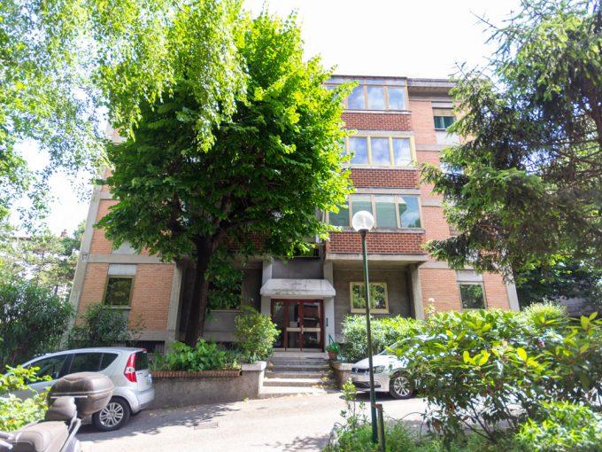 SERVOLA   Appartamento immerso nel verde, con cantina e posto auto di proprietà